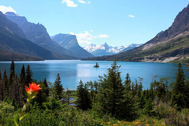 a landscape of wild goose island - st. mary lake stock pictures, royalty-free photos & images