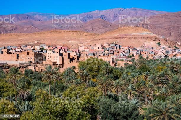Landschapsmening Van Het Atlasgebergte En Oase Rond Douar Ait Boujane Dorp In Tinghir Marokko Todrakloof Stockfoto en meer beelden van Afrika