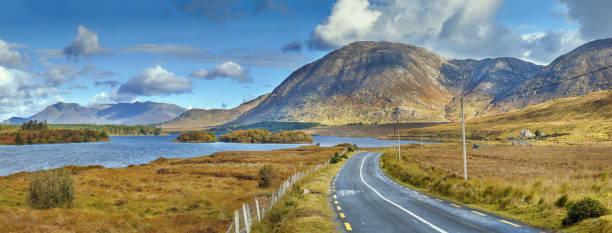 Landschaft mit Inagh See, Irland – Foto