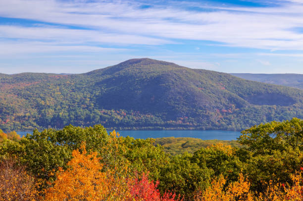 Landscape with Trees in Autumn Colors (Foliage), Catskill  Mountains and Hudson River, Hudson Valley, New York. Landscape with Trees in Autumn Colors (Foliage), Catskill  Mountains and Hudson River, Hudson Valley, New York. Canon EOS 6D (full frame sensor). Polarizing filter. HDR image. hudson river stock pictures, royalty-free photos & images