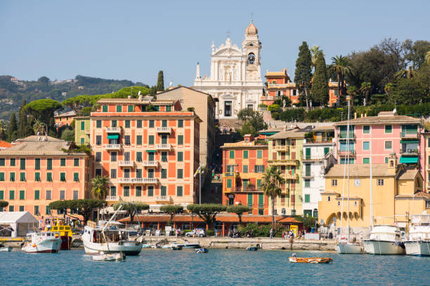 landscapes, houses and villas on the sea along the coast of Portofino – zdjęcie