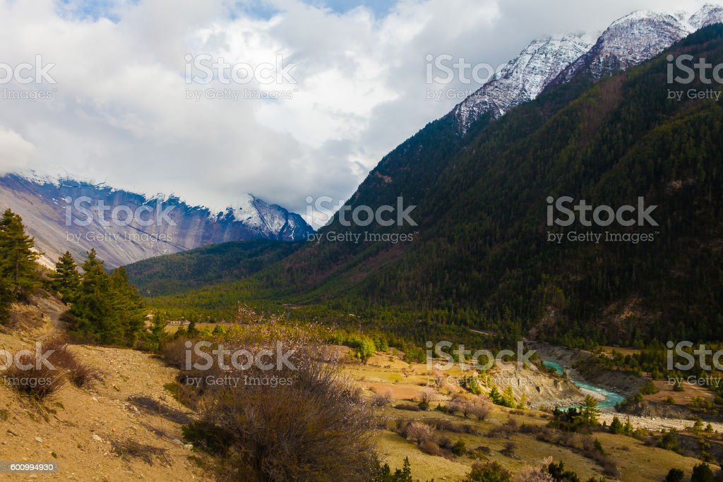 Landscapes Snow Mountains Peak Nature Morning Viewpoint.Mountain Trekking Landscape стоковое фото