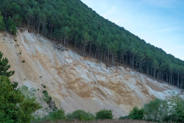 osuwisko spowodowane erozją - erodowany zdjęcia i obrazy z banku zdjęć