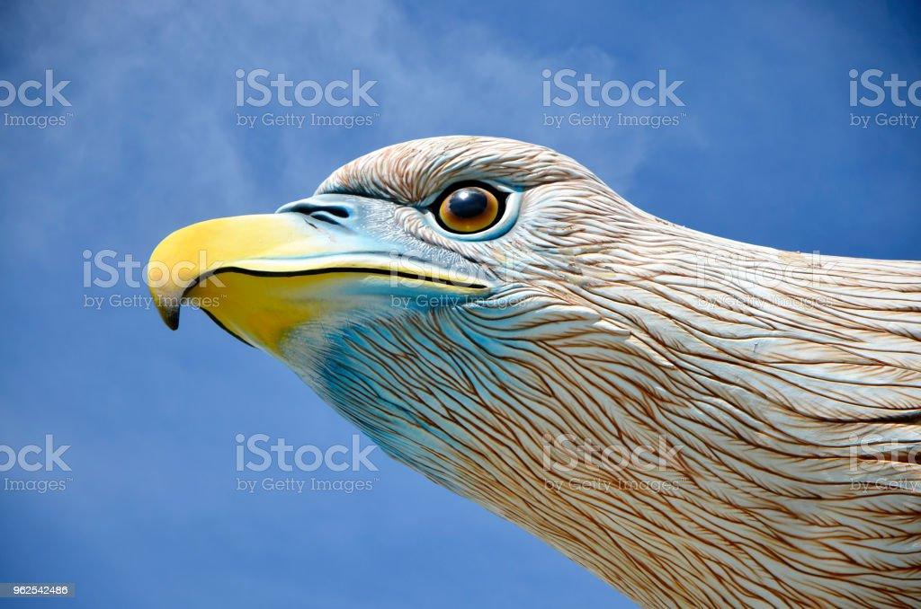 Langkawi águia monumento cabeça e rosto close-up detalhes - Foto de stock de Arte royalty-free