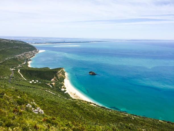 lanscaped beach hill view in portugal - setubal imagens e fotografias de stock