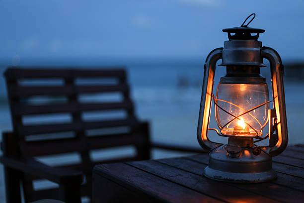 lanterna na praia - lanterna - fotografias e filmes do acervo