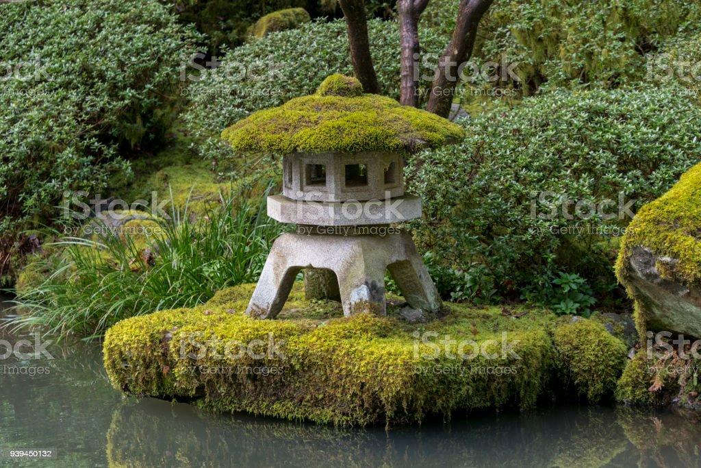 Lantern With Green Plants Moss Japanese Garden Oregon Waters Edge ...