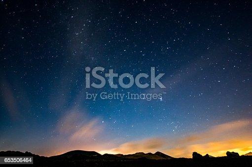 653506436 istock photo lanzarote night sky milky way 653506464