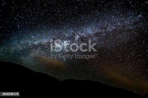 653506436 istock photo lanzarote night sky milky way 653506476