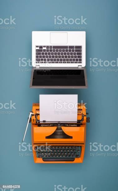 Laptop vs retro typewriter picture id644654028?b=1&k=6&m=644654028&s=612x612&h=w3aacxsfzbojsjzikjvvgizc1e49v01bdbblyqefab0=