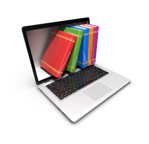Laptop mit Büchern auf einem weißen Hintergrund. – Foto