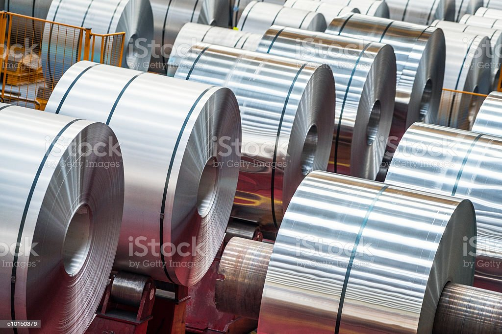 Large Aluminum Steel Rolls in the factory​​​ foto