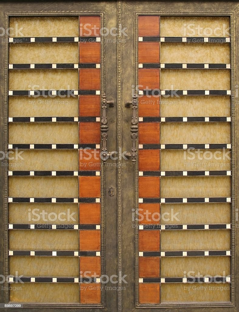 Large Bronze and Wood Gate royalty free stockfoto