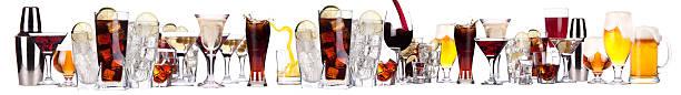 images différentes d'alcool isolé - spiritueux photos et images de collection