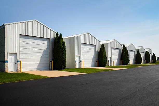 Große gewerbliche Vermietung Einheit Stauraum Garage Einrichtungen – Foto