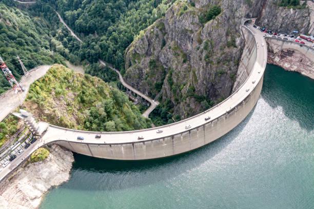 large dam, view from above, from the quadrocopter. - fotos de barragem portugal imagens e fotografias de stock