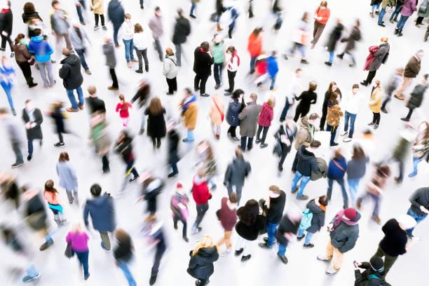 large group of people - folla foto e immagini stock