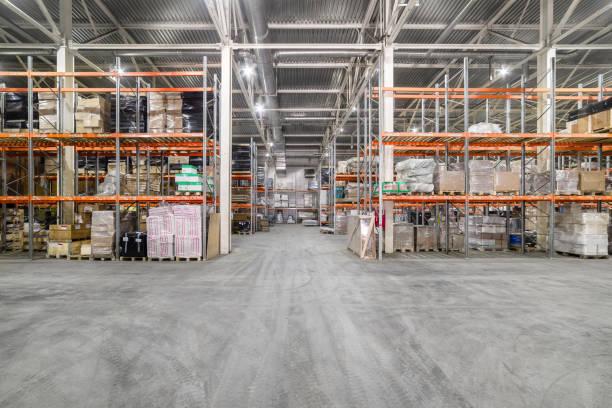 Großes Hangarlager Industrie-und Logistikunternehmen. – Foto