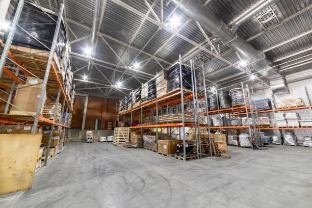 Große Hangarlager Industrie- und Logistikunternehmen. – Foto