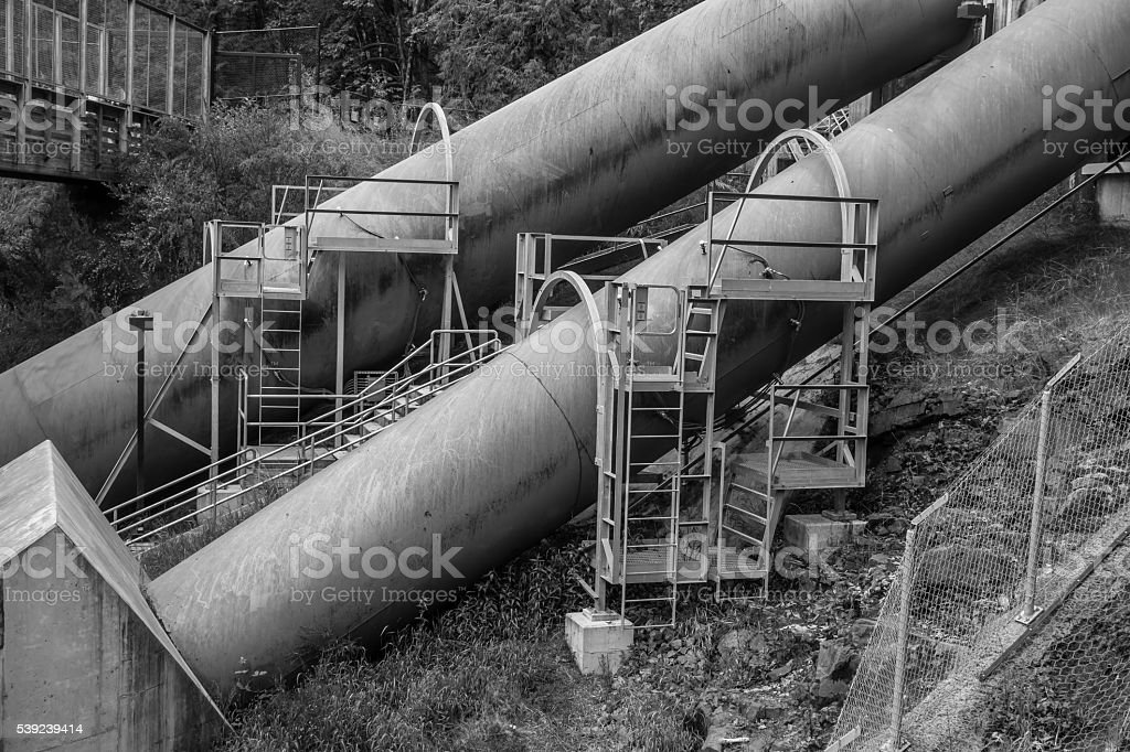 Grandes tuberías industriales foto de stock libre de derechos