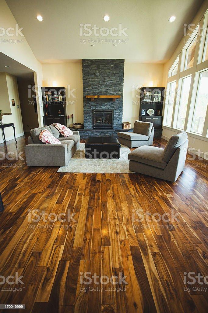 Grande casa di lusso con pavimenti in parquet e mobili fotografie stock e altre immagini di - Casa con parquet ...