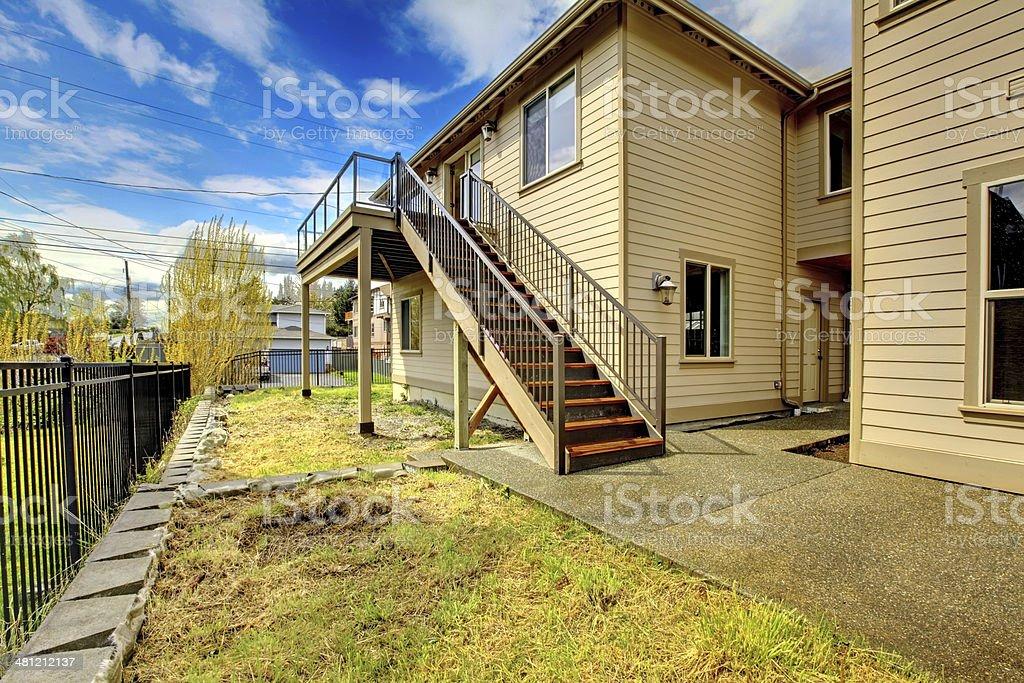 Ingressi Esterno Di Casa : Grande casa di lusso nuovo esterno con balcone tre piani