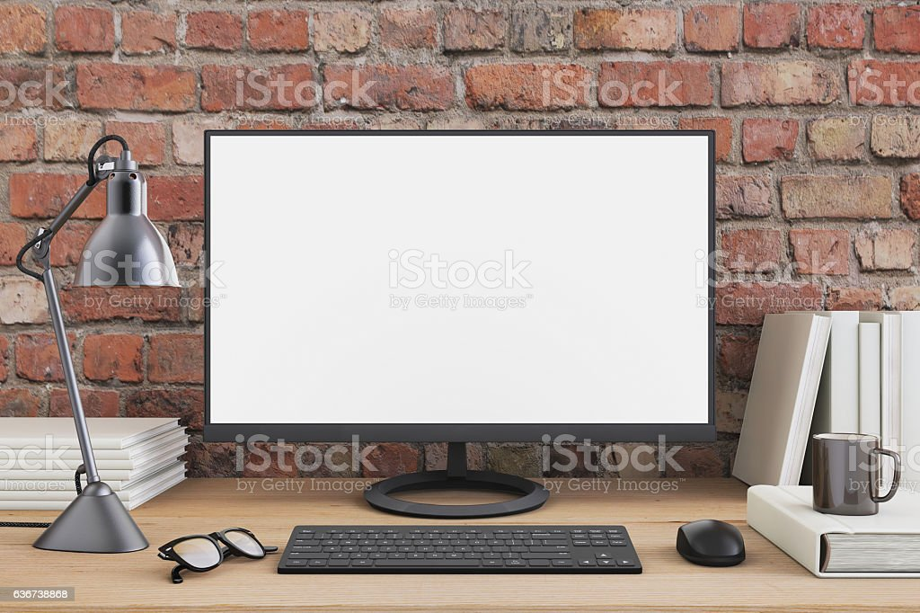 Large PC monitor on an office desk – Foto