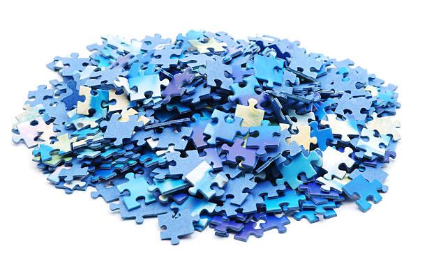 puzzle pile - puzzleteile stock-fotos und bilder