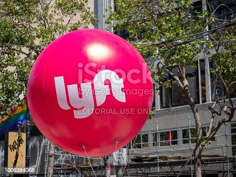 istock Large pink Lyft hanging in San Francisco s Market street 1006384068