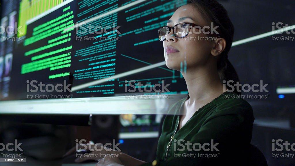 Grande ver através da tela - Foto de stock de Adulto royalty-free