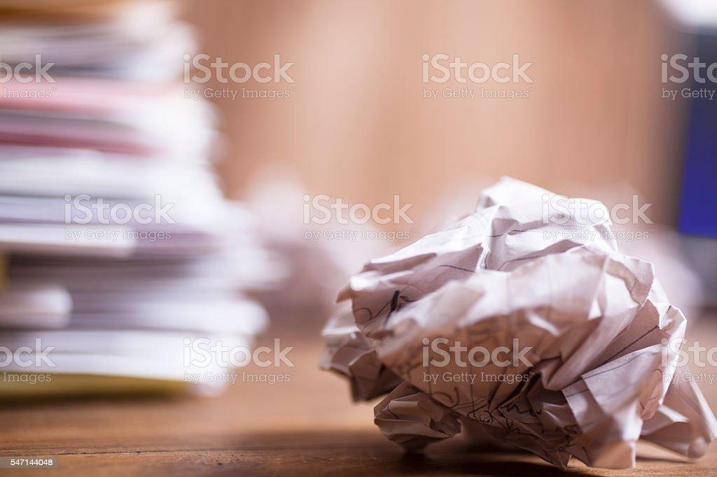 Grande pile de fichiers et de documents. Gros plan. Bureau, bureau. Personne. - Photo