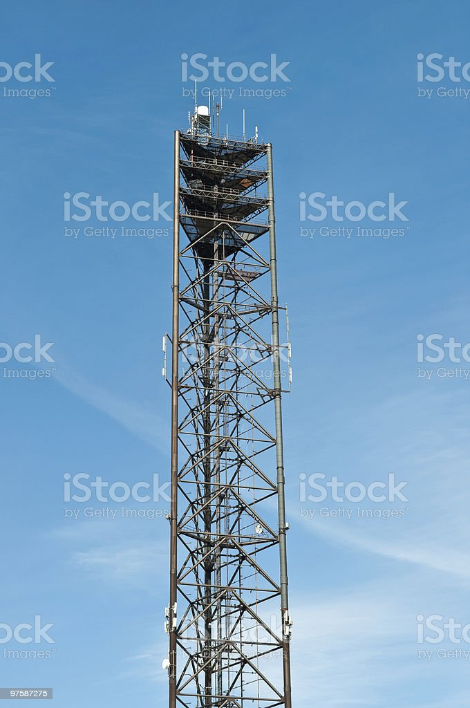 Large Telecom Tower with Blue Sky royaltyfri bildbanksbilder