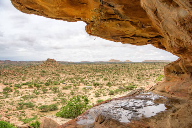 las geel somaliland rocks and paintings - somalia stock photos and pictures