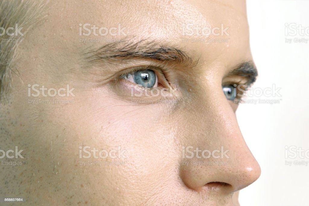 LASIK, Kontaktlinsen, Auge Krankheiten Konzept. Nahaufnahme des männlichen Gesicht, Augen und Nase. – Foto