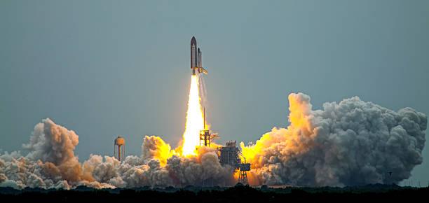 letzte einführung discovery-mission sts - 135 - kennedy space center stock-fotos und bilder