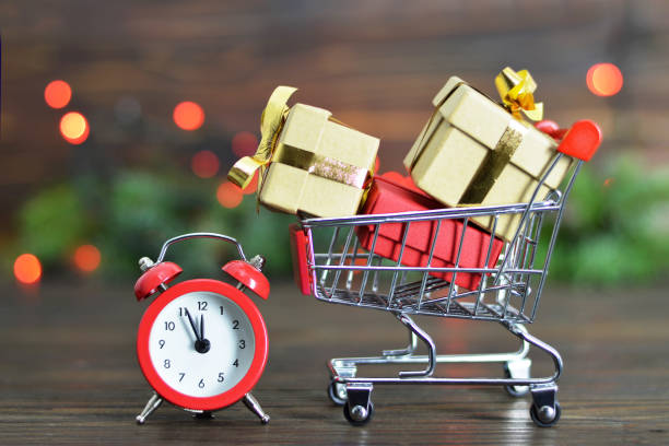 last minute christmas shopping - urgency stock photos and pictures