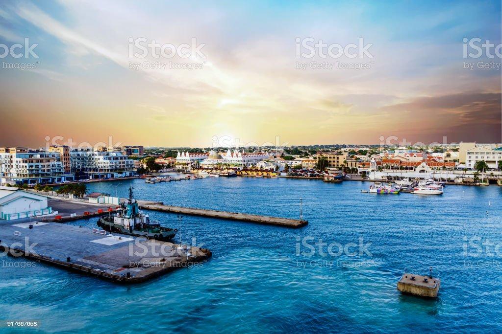 Late Afternoon in Aruba Port – zdjęcie