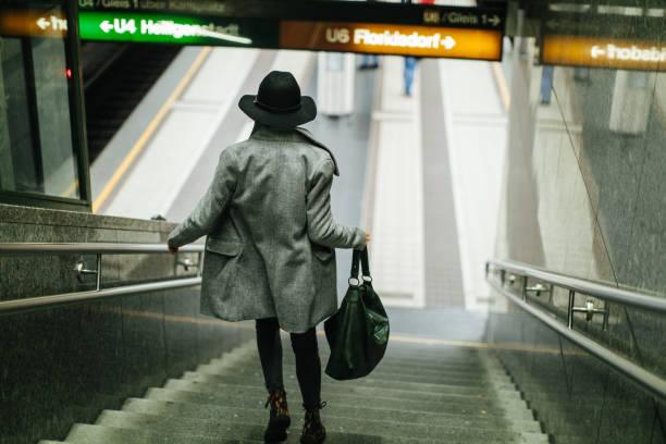 sent för tåg - winter austria train bildbanksfoton och bilder