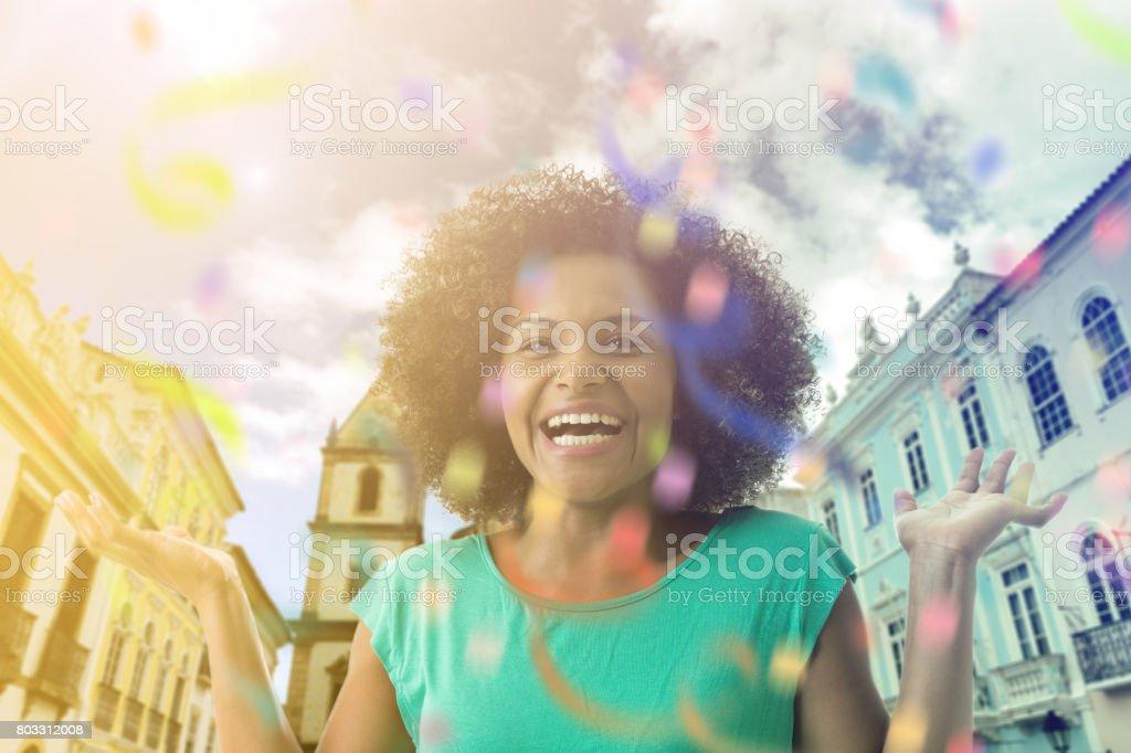 Mulher Latina sorrindo na Bahia, Brasil - foto de acervo