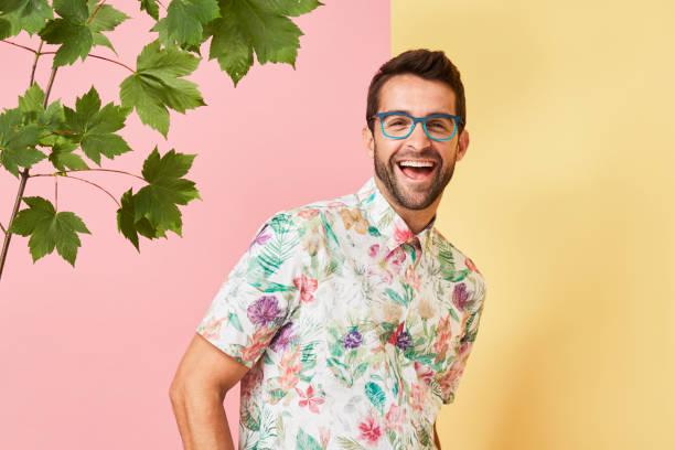 cara a rir nas especificações - moda masculina - fotografias e filmes do acervo