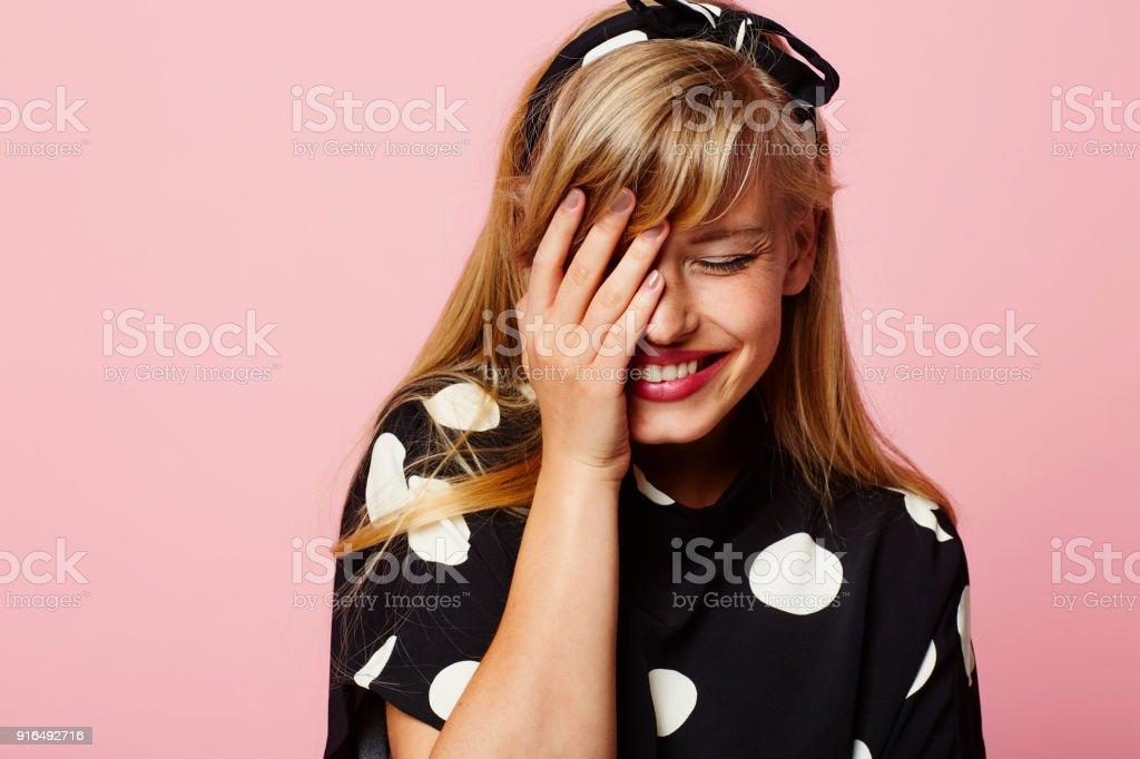 Lachende Frau im Sport – Foto