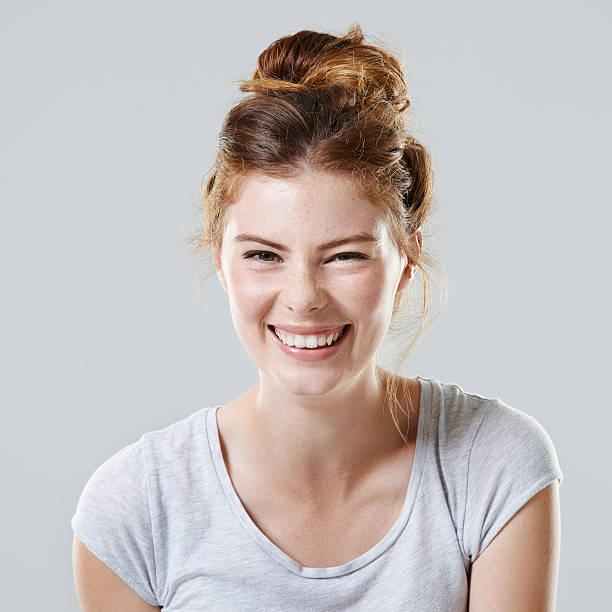 Lachen bringt Ihre Schönheit – Foto