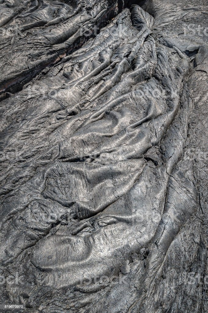 Arbres géants  Lava-field-in-big-island-hawaii-picture-id819673970