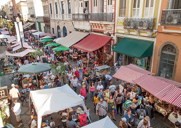 lavradio strada fiera dell'antiquariato di rio - bazar mercato foto e immagini stock