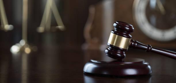 Concepto de derecho y la justicia. Tema de la sala de audiencias. - foto de stock