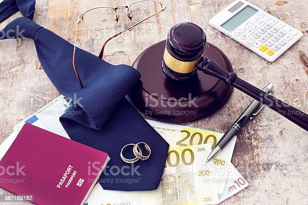 Law concept gavel clock and money on wooden table picture id587189182?b=1&k=6&m=587189182&s=612x612&h=4 6n6lloxlfmctvziqvub 7ccicmqhqxjiwbkeyof9a=