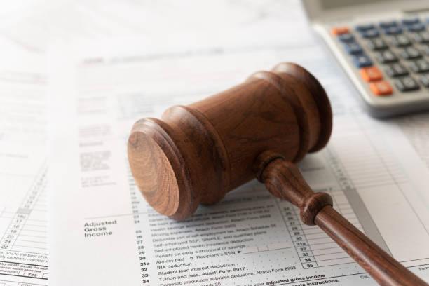 recht steuer rechts- - wirtschaftsrecht stock-fotos und bilder