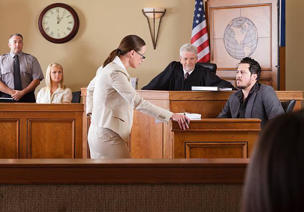 Abogado en Courtroom - foto de stock