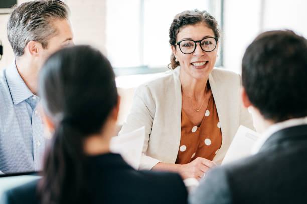 Anwälte in einer Sitzung – Foto