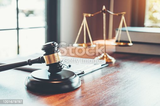 lawyers legal services Consulting in regard to the various contracts to plan the case in court.
